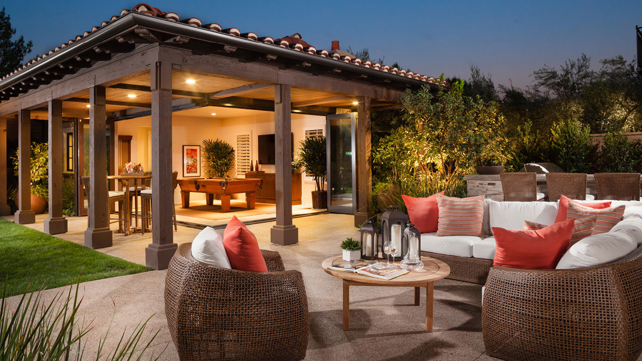 outdoor living scene
