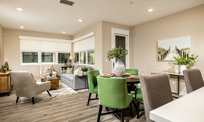 Homesite 70 Dining Area